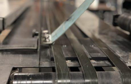 Image of conveyor belt of Skymail's injet machine